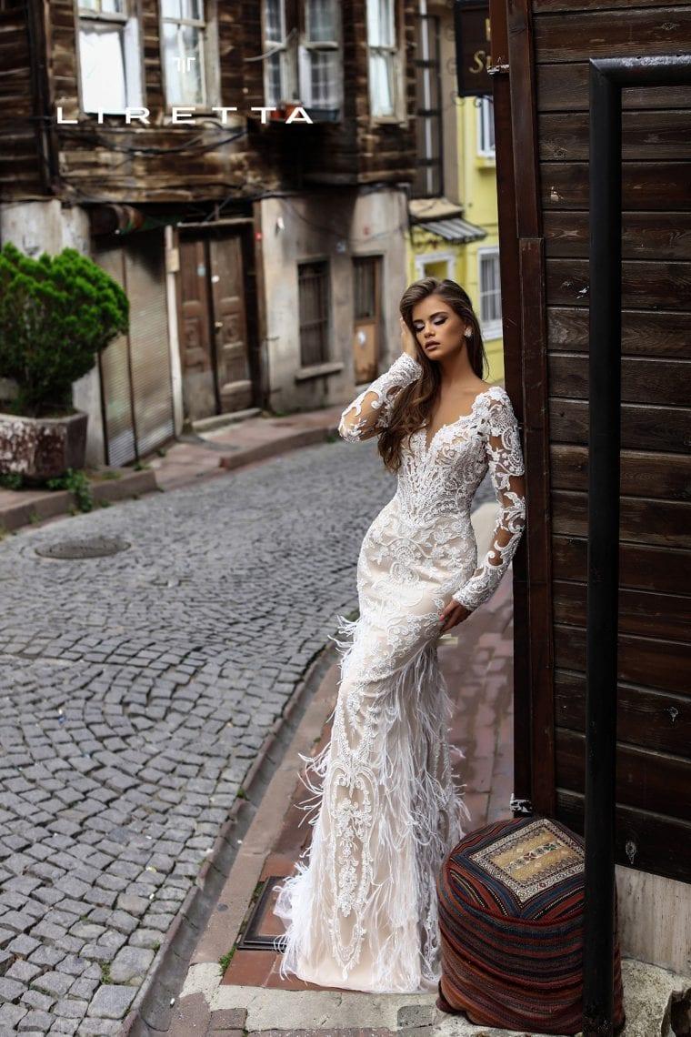 vestido-de-noiva-com-plumas